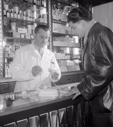 Kereskedelem - Férfiak illatszerboltja