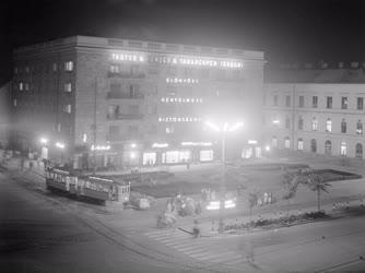 Városkép-életkép - Debrecen belvárosa este