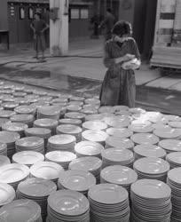 Ipar - Beruházás a Kőbányai Porcelángyárban