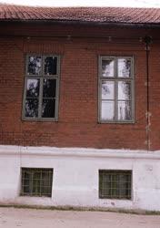 Kultúra - Irodalmi emlékhelyek - Ady nagyváradi lakása