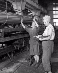 Ipar - Újítás a Csepel Vas- és Fémművek Csőgyárában