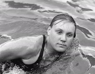 Úszás - Madarász Csilla