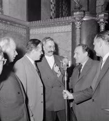 Belpolitika - Országgyűlés - Parasztképviselők a Parlamentben