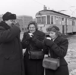 Időjárás - Egészségvédelem - Meleg tea a hidegben dolgozóknak